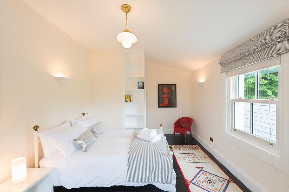 rooms_connaught